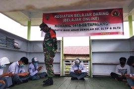 TNI beri akses internet gratis bagi siswa di pelosok
