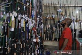 Penjual peralatan pancing di Kota Tangerang alami kenaikan omset