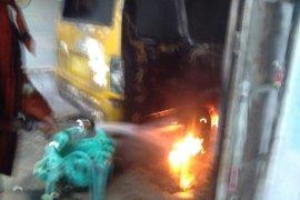 Kios BBM terbakar, pasutri pemiliki kios alami luka bakar