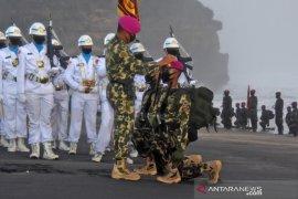 186 prajurit resmi sandang Baret Ungu Korps Marinir