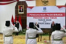 Gubernur Jatim kukuhkan sepuluh anggota Paskibraka