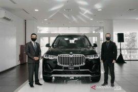 BMW luncurkan The President BMWX7 xDrive40i Pure Excellence di Medan
