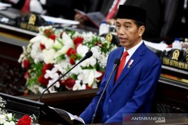 Presiden tegaskan UU Cipta Kerja tidak hapus hak cuti