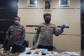 Polisi tangkap penjual emas palsu karena ingin meraup untung