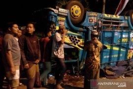 Kecelakaan beruntun di Jember akibatkan tujuh orang tewas