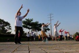 Dinkes Surabaya gandeng PDPI latih calon instruktur senam COVID-19