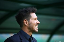Manajer Atletico Madrid  Diego Simeone positif tertular COVID-19