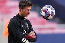 Rio Ferdinand sebut Robert Lewandowski harusnya juara Ballon d'Or 2020
