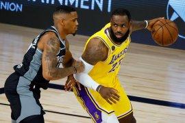 LA Lakers telan kekalahan laga terakhir NBA