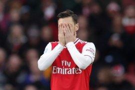 Demi singkirkan Ozil, Arsenal bakal bayar uang sisa kontrak Rp6,7 miliar