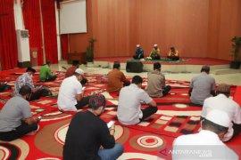 Pegawai Setdakot Banjarbaru gelar tahlilan untuk alm Nadjmi Adhani