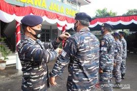 Perkuat pertahanan laut, Danlanal kukuhkan Babinpotmar Lanal Banten