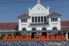 Pengguna jasa kereta api di Cirebon terus meningkat