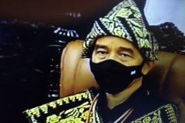 Presiden tiba di Sidang Tahunan MPR kenakan pakaian adat Sabu dari NTT