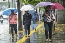 Hujan ringan diperkirakan guyur Jakarta Kamis siang