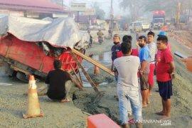Badan jalan penghubung Balikpapan dengan Samarinda terdampak longsor