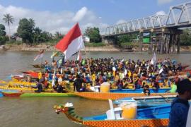 Bupati Kapuas Hulu minta peserta lomba sampan bidar di rapid tes