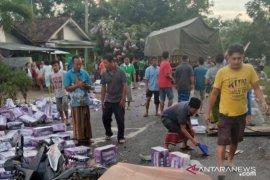 Polisi:  Lima korban meninggal dalam kecelakaan maut di Jember