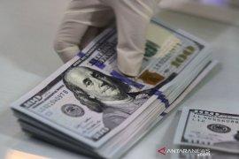 Dolar bertahan dekat level terendah 2,5 bulan