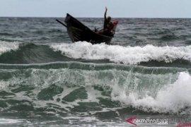 BMKG peringatkan potensi gelombang 4 meter di perairan Bengkulu