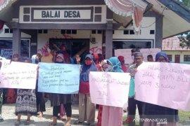 Ini penyebab warga Suak Panteu Breuh Aceh Barat segel kantor desa, begini kata Camat Samatiga