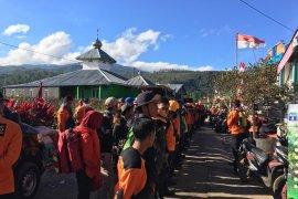 HUT RI, Basarnas Makassar Siaga Merah Putih di Gunung Bawakaraeng