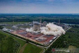 Pakar penjinak bom berhasil menyingkirkan bahan kimia di situs nuklir Inggris