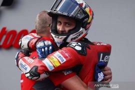 Dovizioso menjuarai GP Austria setelah kecelakaan sempat menunda lomba