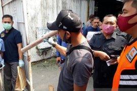 Teror di rumah Bupati Kediri: Kembang api ukuran besar dilempar di garasi mobil