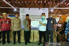 PLN Kalbar bantu Rp100 juta dorong ekonomi kawasan pesisir