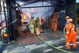 Empat tempat usaha di Pondok Kopi kebakaran, keugian Rp300 juta
