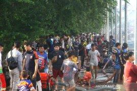 Aksi Relawan Pemadam Kebakaran Di Wisata Siring