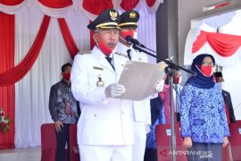 Kabupaten Kayong Utara berikan penghargaan desa terbaik