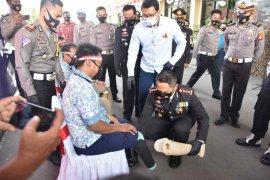 Polresta Cirebon beri kaki palsu bagi 10 penyandang disabilitas