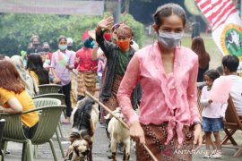 Taman Safari Cisarua hadirkan parade tokoh-tokoh sejarah di peringatan HUT RI