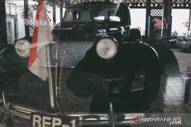 Kemarin, menteri bagi tautan film ilegal sampai mobil pusaka Indonesia