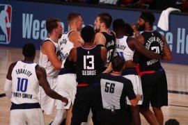 Leonard mencetak 29 poin saat Clippers atasi Mavs setelah Porzingis diusir