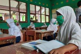 Siswa SD dan SMP di Serang mulai KBM tatap muka