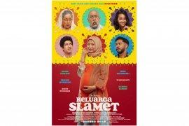 """Falcon Pictures merilis cuplikan foto film terbaru \""""Keluarga Slamet\"""" adaptasi Badhaai Ho"""
