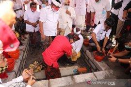 Gubernur Bali letakkan batu pertama revitalisasi Pasar Umum Gianyar