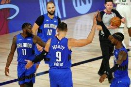 Nikola Vucevic pimpin Magic buka playoff melawan Bucks dengan kemenangan