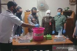 Polsek Banjarbaru Timur musnahkan barang bukti sabu-sabu 1,06 gram