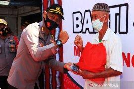 Polresta Banjarmasin bagi 250 paket sembako kepada warga terdampak COVID-19