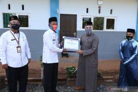 Ponpes Daarul Istiqomah Pelaihari terima penghargaan Pemkab Tanah Laut