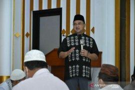 Pemprov Babel serahkan bantuan pembangunan Masjid Al-Ikhlas Muntok
