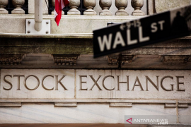 Wall Street beragam dengan catat Agustus terbaik sejak lebih dari 3 dekade