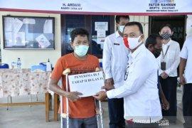 Wakil Bupati Bangka serahkan BLT dana desa untuk 345 keluarga