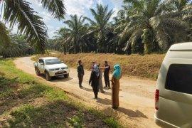 Komisi III - PT AAL bahas penanganan jalan rusak Desa Hayub