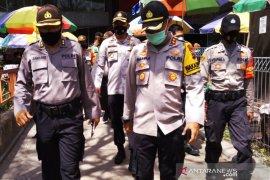 Peduli keselamatan, Wakapolresta Banjarmasin dan Kapolsek Banteng turun ke pasar