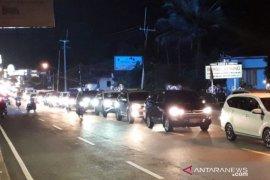 Libur panjang, Jalur Puncak Bogor mulai dipadati kendaraan pada Jumat malam